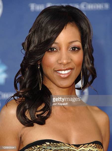 Shaun Robinson during 32nd Annual People's Choice Awards Arrivals at Shrine Auditorium in Los Angeles California United States