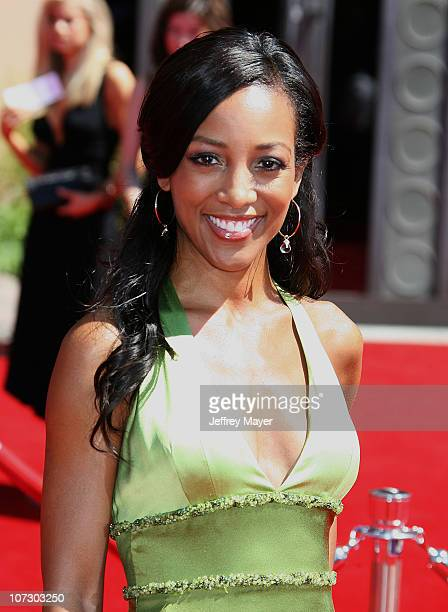Shaun Robinson during 58th Annual Primetime Emmy Awards Arrivals at Shrine Auditorium in Los Angeles California United States