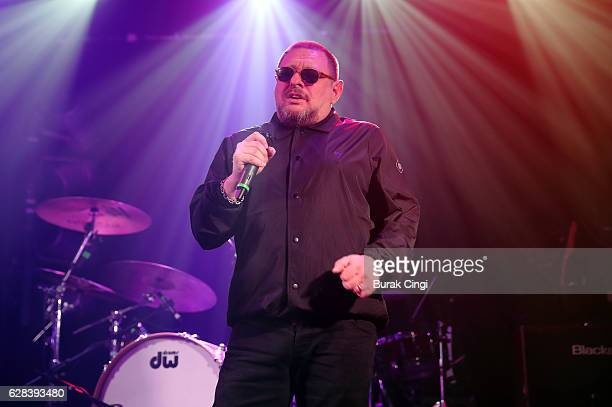 Shaun Ryder of Black Grape performs at Electric Ballroom on December 7 2016 in London United Kingdom