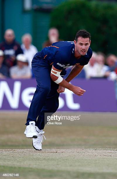 Shaun Tait of Essex bowls a delivery during the NatWest T20 Blast match between Middlesex and Essex at Old Deer Park on July 10 2015 in Richmond...