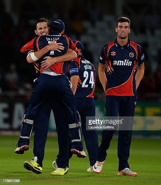 Shaun Tait of Essex Eagles celebrates the wicket of Graeme White of Nottinghamshire Shaun Tait of Essex Eagles during the Freinds Life T20 Quarter...