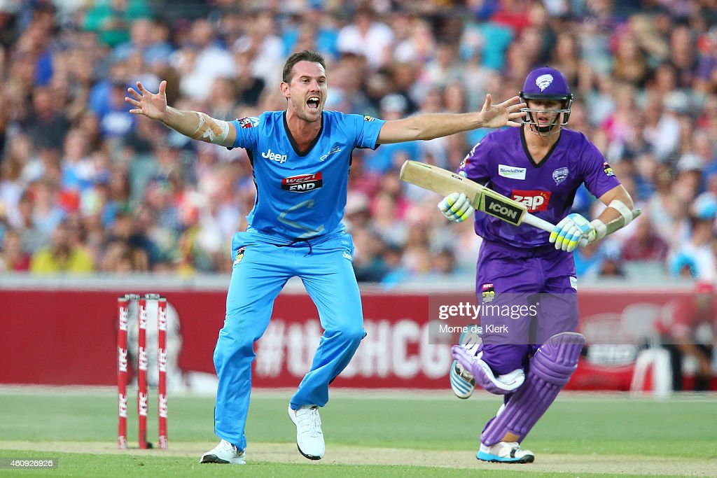 Shaun Tait of the Adelaide Strikers appeals to get the wicket of Joe Mennie of the Hobart Hurricanes during the Big Bash League match between the Adelaide Strikers and the Hobart Hurricanes at Adelaide Oval on December 31, 2014 in Adelaide, Australia.