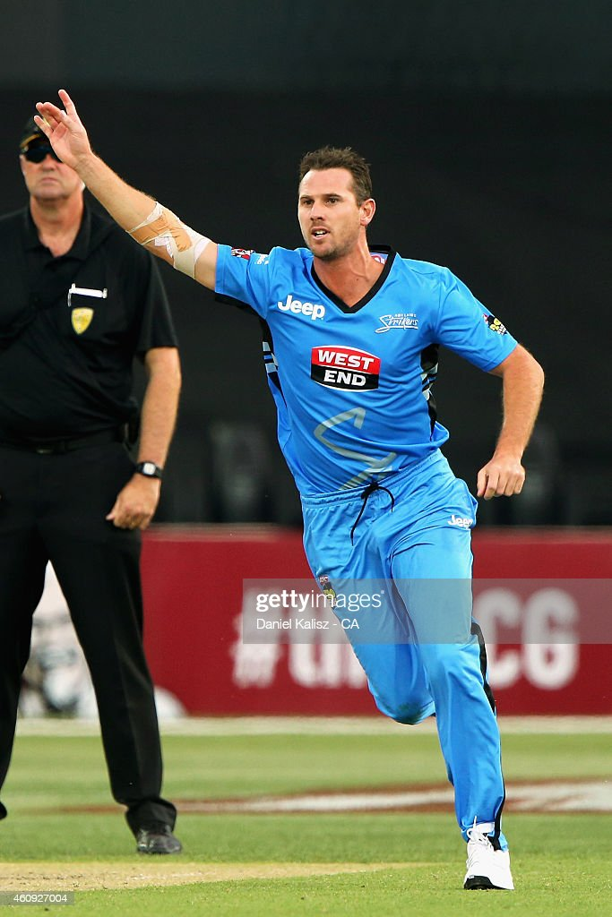 Shaun Tait of the Adelaide Strikers reacts after taking a wicket during the Big Bash League match between the Adelaide Strikers and the Hobart Hurricanes at Adelaide Oval on December 31, 2014 in Adelaide, Australia.