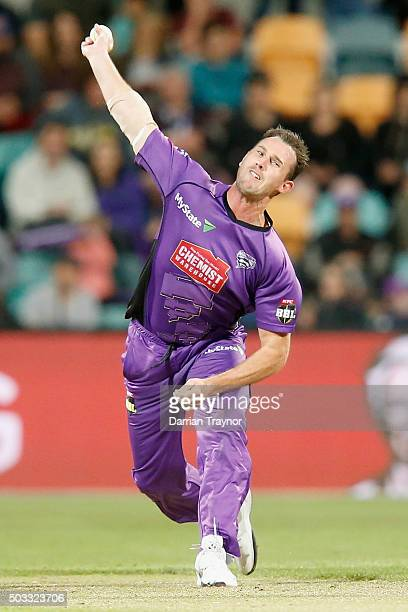 Shaun Tait of the Hobart Hurricanes bowls during the Big Bash League match between the Hobart Hurricanes and the Melbourne Renegades at Blundstone...