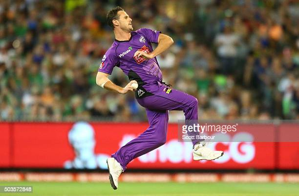Shaun Tait of the Hurricanes bowls during the Big Bash League match between the Melbourne Stars and the Hobart Hurricanes at the Melbourne Cricket...