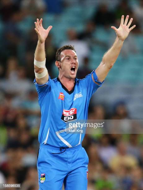 Shaun Tait of the Thunder appeals successfully for the wicket of Azhar Mahmood of the Strikers during the Big Bash League match between the Sydney...