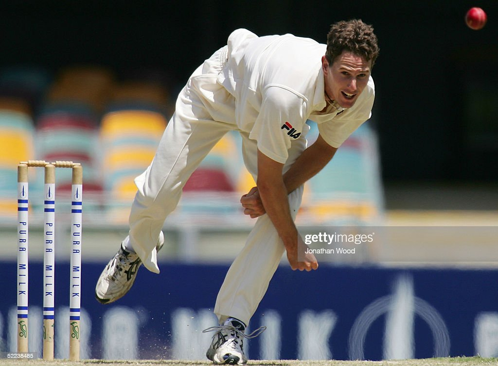 Shaun Tate of the Bulls in action during day 2 of the Pura Cup match between the Queensland Bulls and South Australia Redbacks at the Gabba, February 25, 2005 in Brisbane, Australia
