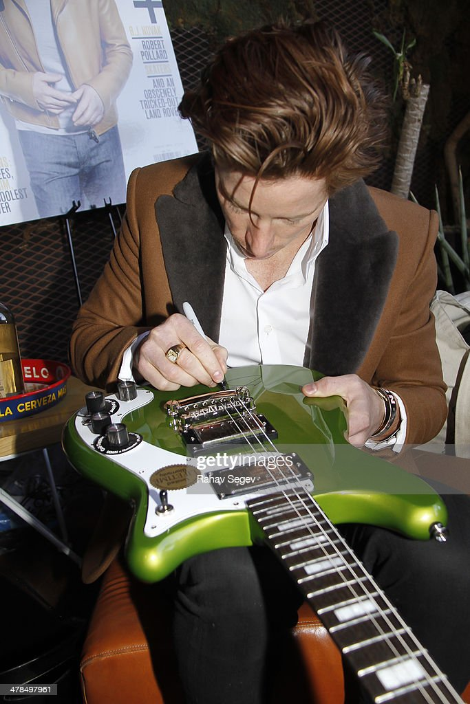 Shaun White Signs An Epiphone Guitar To Auction During Ebay Giving News Photo Getty Images