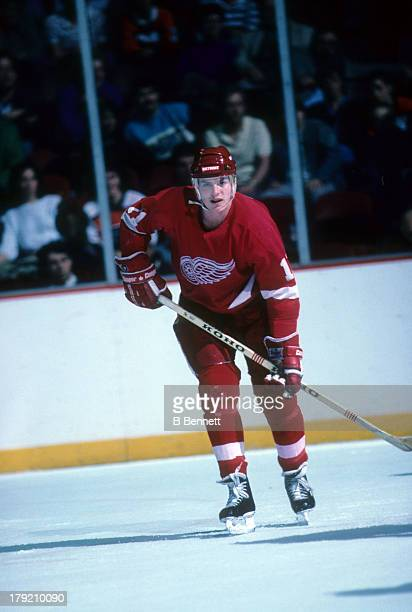 Shawn Burr of the Detroit Red Wings skates on the ice during an NHL game against the Philadelphia Flyers on March 28 1987 at the Spectrum in...