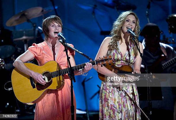Shawn Colvin and Alison Krauss perform during the Library Of Congress Gershwin Prize For Popular Song Gala at the Warner Theater May 23 2007 in...