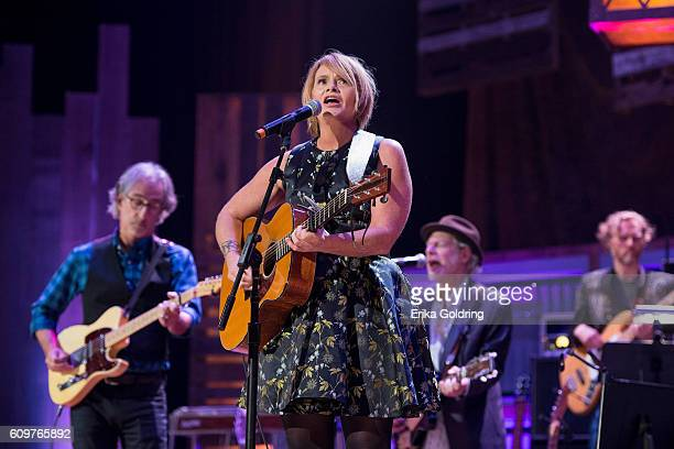 Shawn Colvin performs at Ryman Auditorium on September 21 2016 in Nashville Tennessee