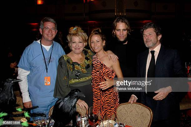 Shawn Conway Bette Midler Sheryl Crow Matt Nye and Jann Wenner attend BETTE MIDLER'S Hulaween Gala Celebrating The New York Restoration Project at...