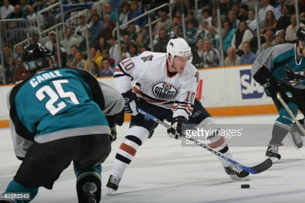 Shawn Horcoff of the Edmonton Oilers skates with the puck during Game 2 of the Western Conference Semifinals against the San Jose Sharks on May 8,...
