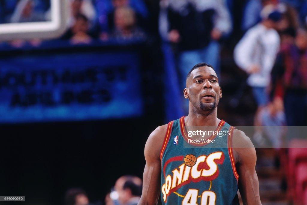 Seattle SuperSonics v Sacramento Kings : News Photo