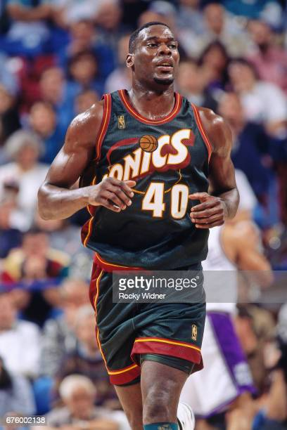 Shawn Kemp of the Seattle SuperSonics runs against the Sacramento Kings circa 1997 at Arco Arena in Sacramento California NOTE TO USER User expressly...