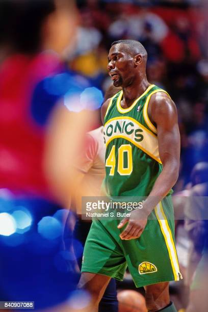 Shawn Kemp of the Seattle SuperSonics walks circa 1994 at the Continental Airlines Arena in East Rutherford New Jersey NOTE TO USER User expressly...
