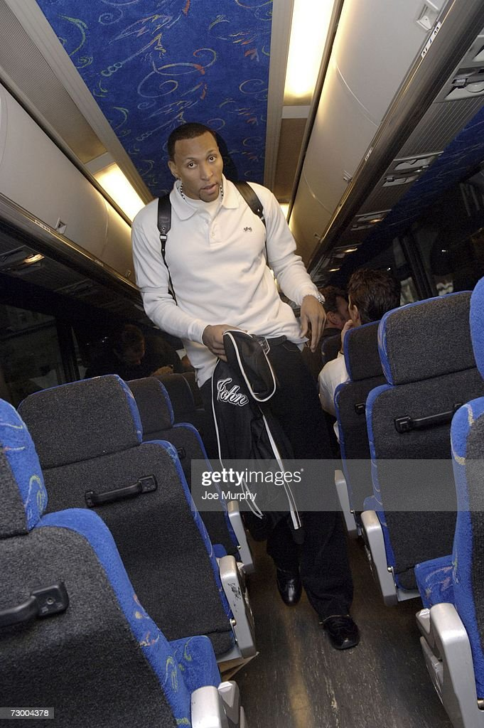 Shawn Marion of the Phoenix Suns boards the team bus for a game against the Memphis Grizzlies at FedExForum January 15, 2007 in Memphis, Tennessee.