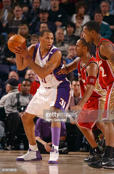 Shawn Marion of the Phoenix Suns looks to pass during the game with the Cleveland Cavaliers at America West Arena on December 1 2004 in Phoenix...