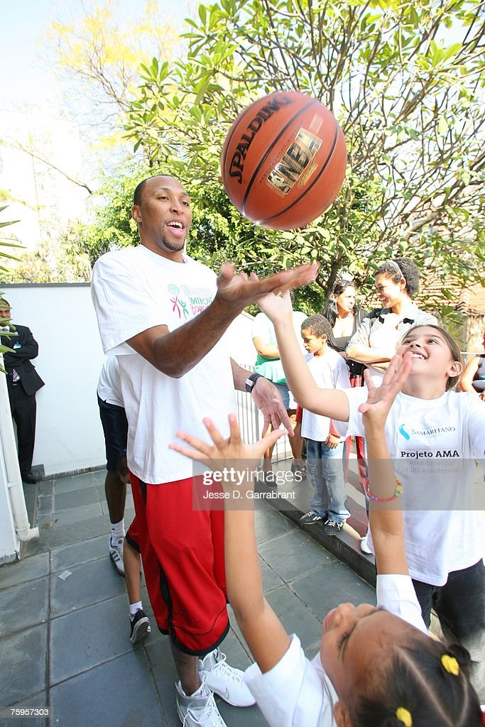 Shawn Marion of the Phoenix Suns plays with some children during Basketball Without Borders on August 3, 2007 in Sao Paulo, Brazil.