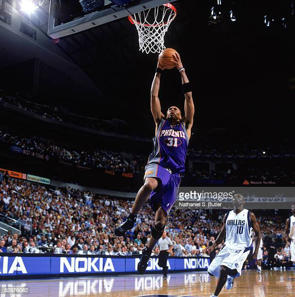 Shawn Marion of the Phoenix Suns takes the ball to the basket against the Dallas Mavericks in Game four of Western Conference Semifinals during the...