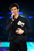 london england shawn mendes accepts one
