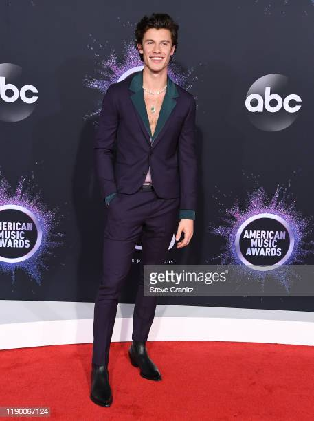 Shawn Mendes arrives at the 2019 American Music Awards at Microsoft Theater on November 24 2019 in Los Angeles California
