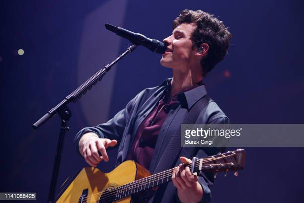 Shawn Mendes performs on stage at Manchester Arena on April 07, 2019 in Manchester, England.