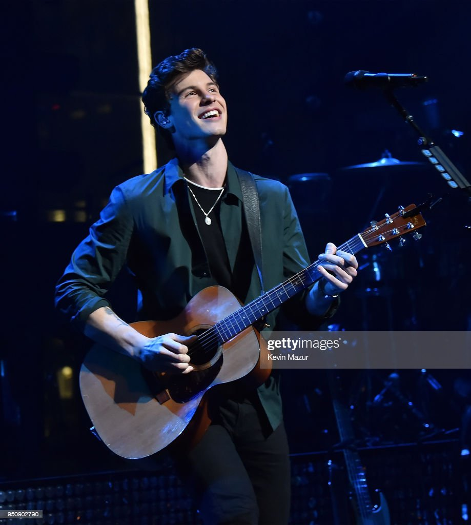 Shawn Mendes performs on stage during the 2018 Time 100 Gala at Jazz at Lincoln Center on April 24, 2018 in New York City.Ê