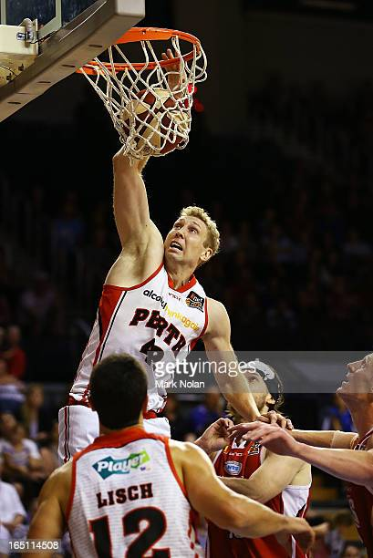 Shawn Redhage of the Wildcats drives to the basket during game two of the NBL Semi Final series between the Wollongong Hawks and the Perth Wildcats...