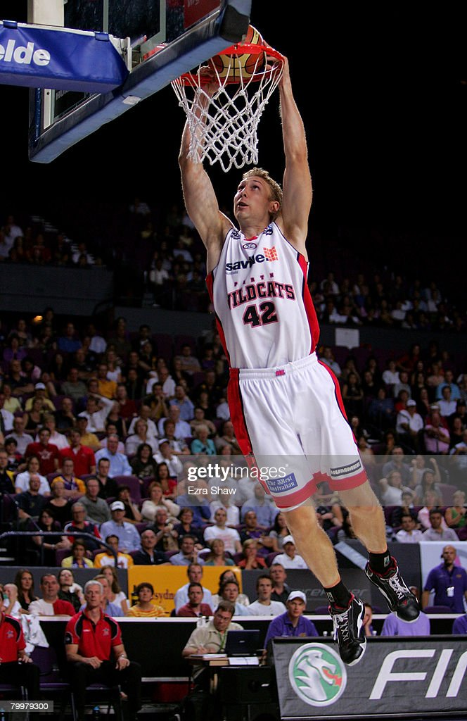 Shawn Redhage of the Wildcats dunks the ball during game one of the NBL Semi Final Series between the Sydney Kings and the Perth Wildcats at Sydney Entertainment Centre on February 25, 2008 in Sydney, Australia.