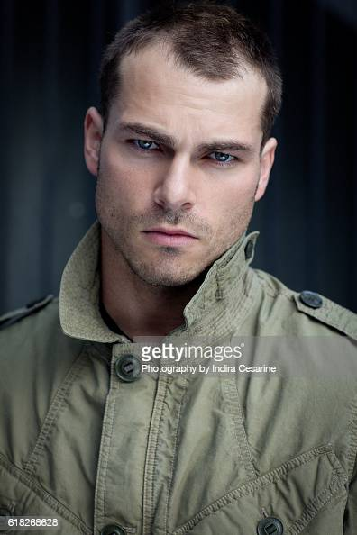 Shawn Roberts Pictures