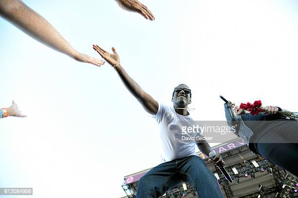 Shawn Stockman of Boyz II Men and recording artist Shay Mooney of Dan Shay perform during the Route 91 Harvest country music festival at the Las...
