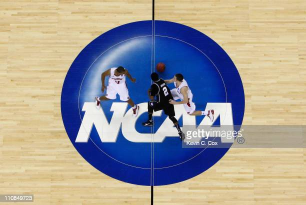 Shawn Vanzant of the Butler Bulldogs drives past the the Wisconsin Badgers during the Southeast regional of the 2011 NCAA men's basketball tournament...