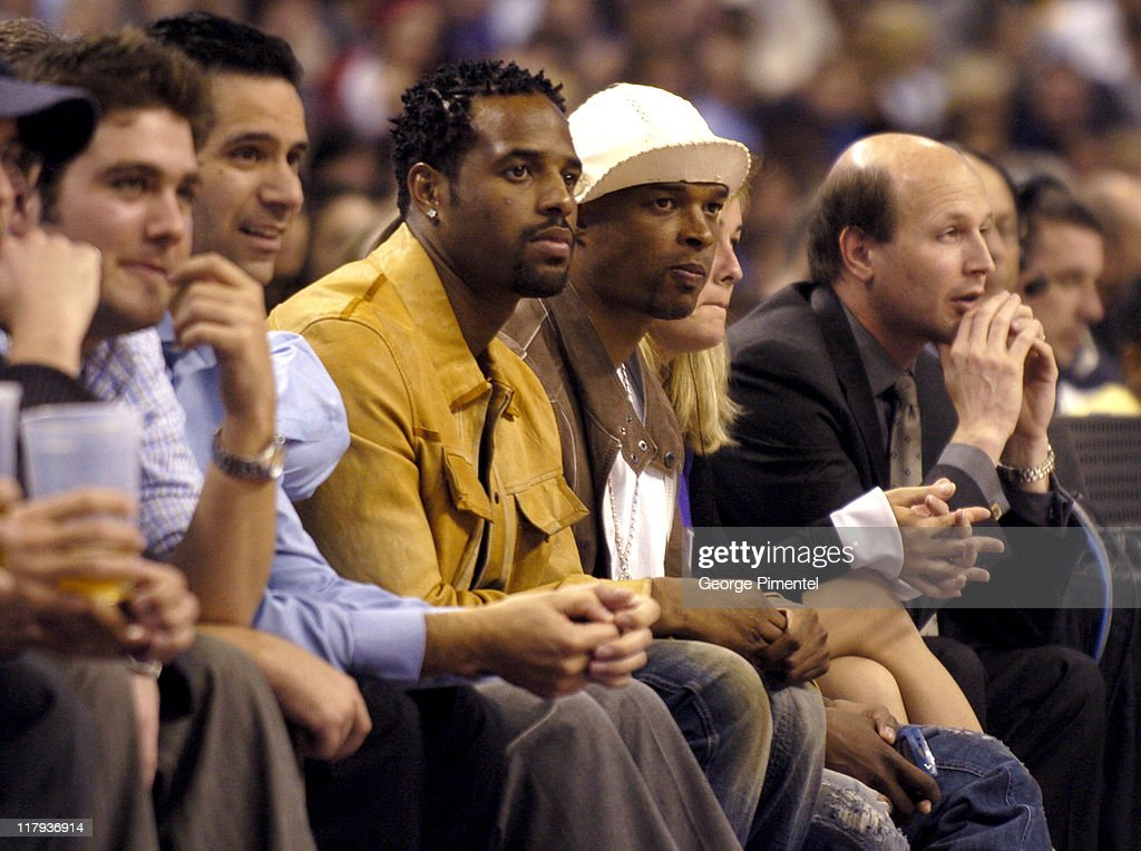 Shawn Wayans and Damon Wayans at the Cleveland Cavaliers vs Toronto Raptors