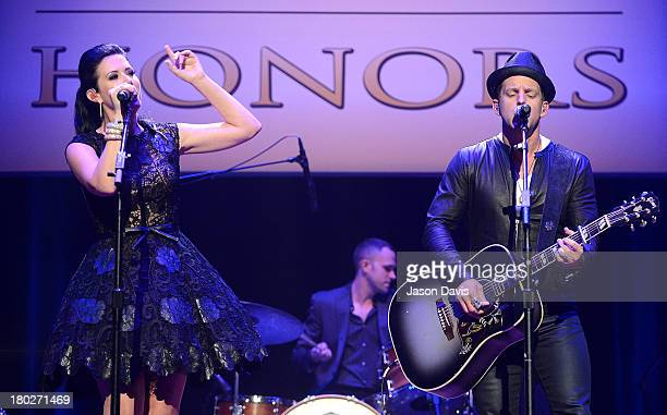 Shawna Thompson and Keifer Thompson of Thompson Square performs at the 7th Annual ACM Honors at the Ryman Auditorium on September 10 2013 in...