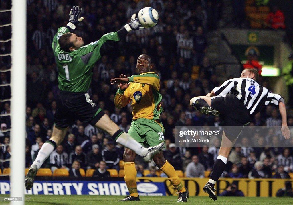 Norwich City v Newcastle United : Fotografía de noticias