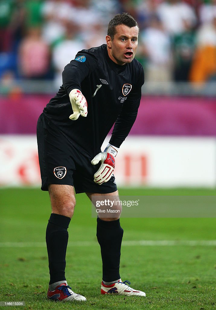 Shay Given of Republic of Ireland directs his defence during the UEFA EURO 2012 group C match between Italy and Ireland at The Municipal Stadium on June 18, 2012 in Poznan, Poland.