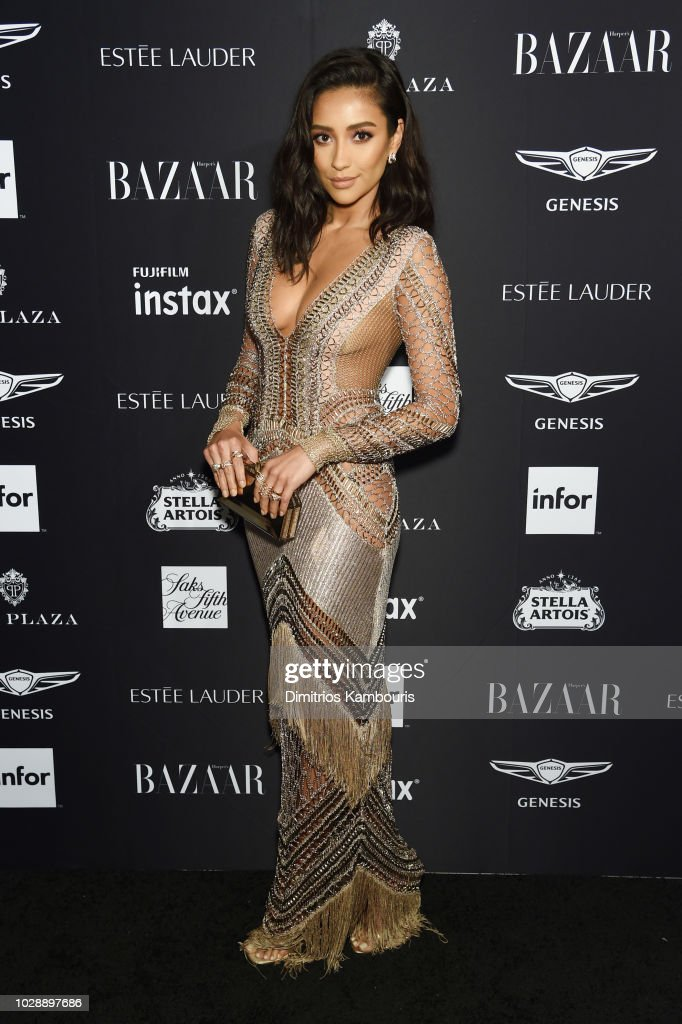 """Harper's BAZAAR Celebrates """"ICONS By Carine Roitfeld"""" At The Plaza Hotel Presented By Infor, Estee Lauder, Saks Fifth Avenue, Fujifilm Instax, Genesis, And Stella Artois - Arrivals : News Photo"""