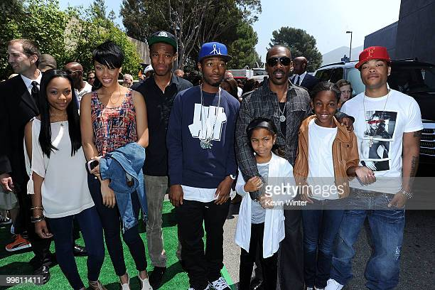 Shayne Murphy Bria Murphy Myles Murphy Christian Murphy Bella Murphy Eddie Murphy Zola Murphy and Eric Murphy arrive at the premiere of DreamWorks...