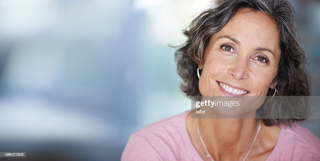 She always shines with elegant beauty : Stock Photo