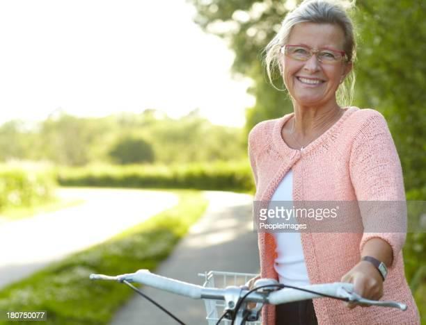Sie bietet gesunde outdoor-Aktivitäten-Radfahren