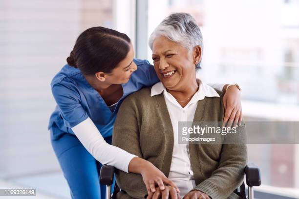 she has a very kind nature with her patients - patience stock pictures, royalty-free photos & images