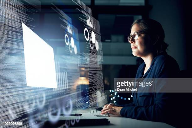 she has data management all taken care of - zakenman stock pictures, royalty-free photos & images