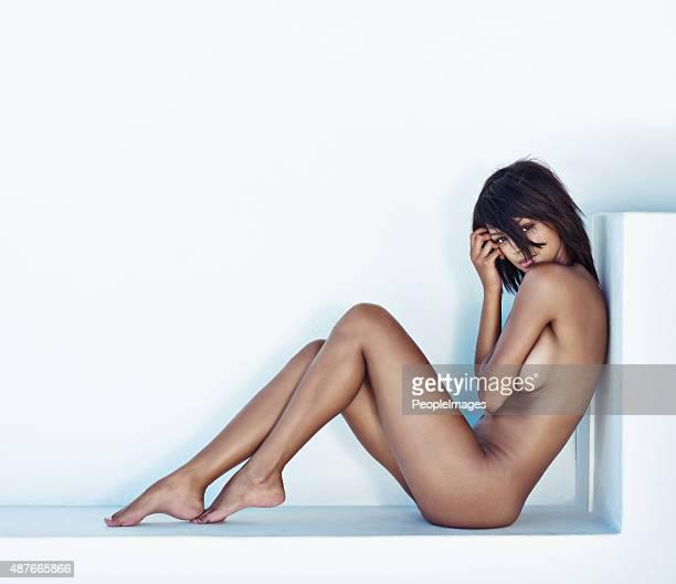 she has nothing to hide - naaktmodel stockfoto's en -beelden