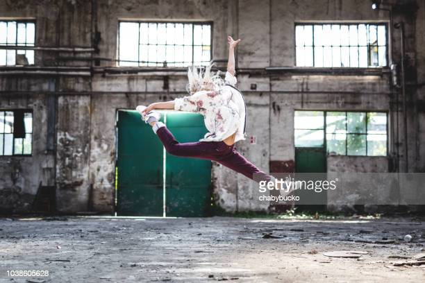 she is amazing break-dancer - breakdancing stock photos and pictures