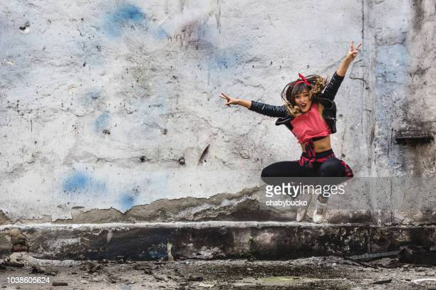 she likes dancing - hip hop stock pictures, royalty-free photos & images