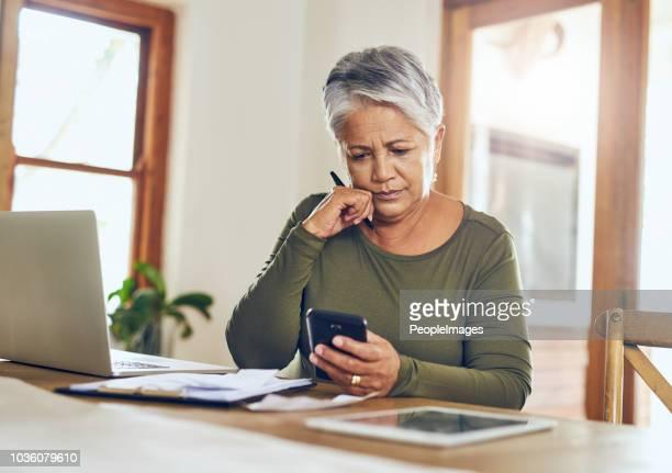 pianifica su più dispositivi - fondo pensionistico personale foto e immagini stock
