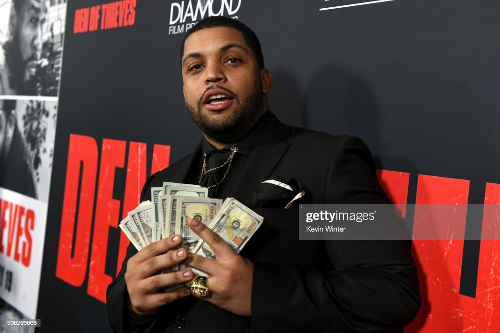 """Premiere Of STX Films' """"Den Of Thieves"""" - Red Carpet : News Photo"""