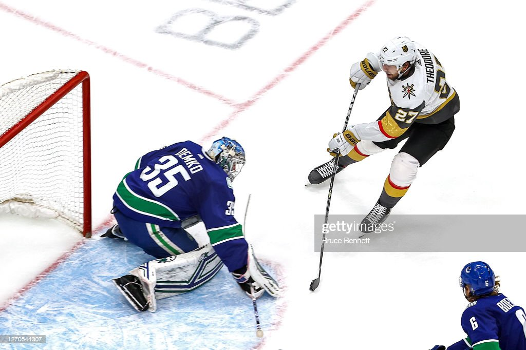 Vegas Golden Knights v Vancouver Canucks - Game Six : News Photo