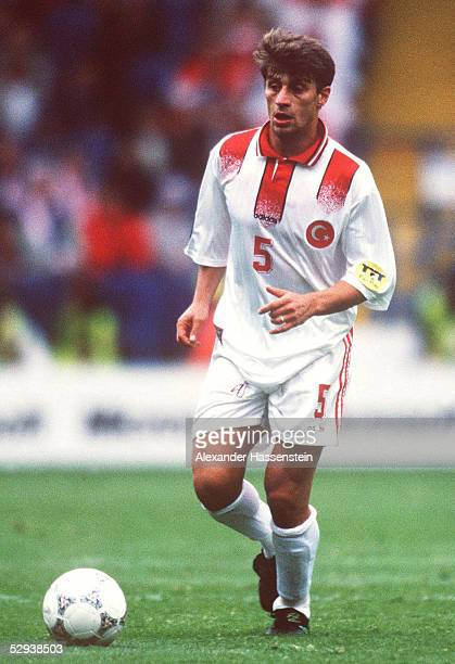 EURO 1996 Sheffield TUERKEI DAENEMARK 03 Kerimoglu TUGAY/TUR